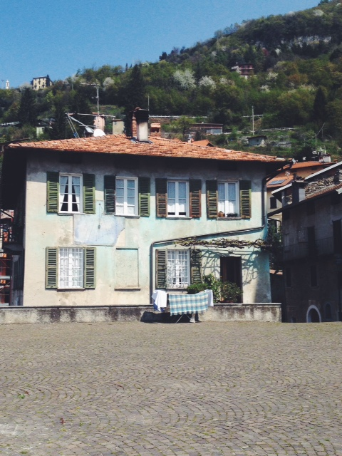 old house in Perledo